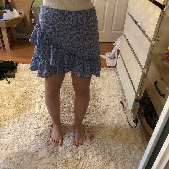 Forever 21 blue daisy mini skirt.